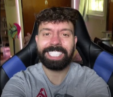 TikTok: Guide and reactions to the white teeth filter